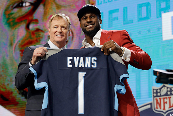 Titans Draft Alabama LB Rashaan Evans with the 22nd Pick in the NFL Draft